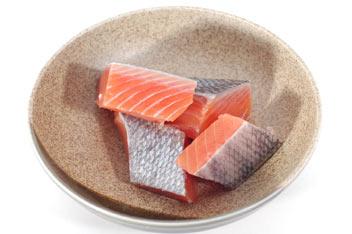 函館海鮮寄せ鍋セット4人前/羅臼産鮭